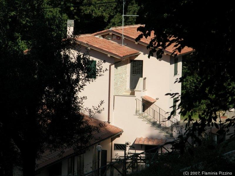 The farmhouse seen from the Arci hill