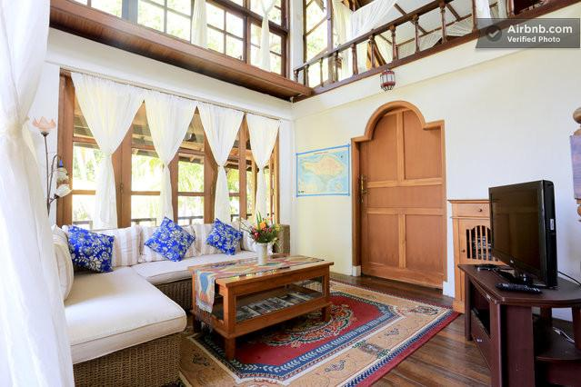 Sunrise Beach House Bali Indonesia, vacation rental in Toya Bungkah