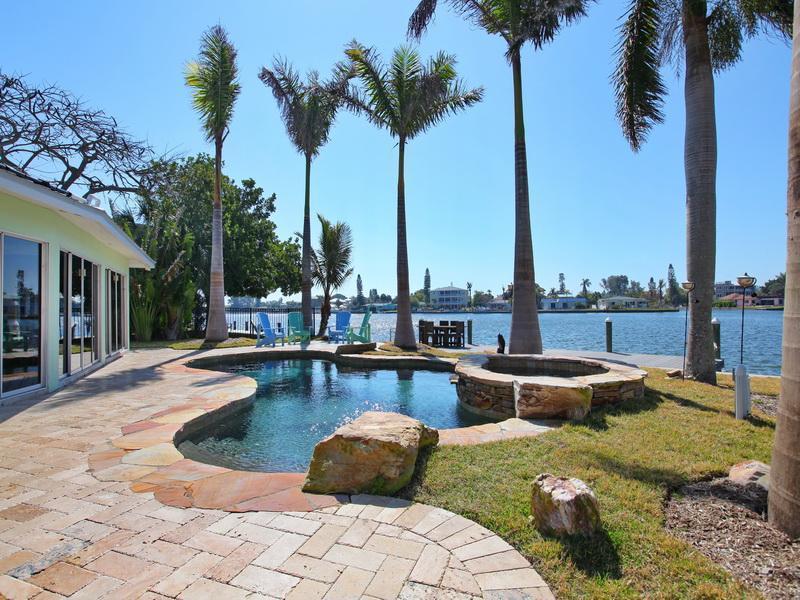 Mintfish, beautiful views across Bimini Bay! 4-Bed, holiday rental in Anna Maria Island