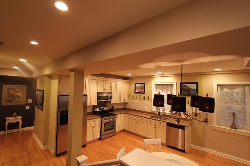 Kitchen, dining area.......
