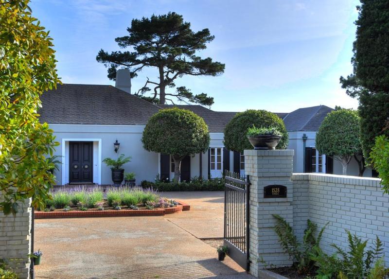 Stay in Private Home Next to Pebble Beach Lodge!, aluguéis de temporada em Pebble Beach