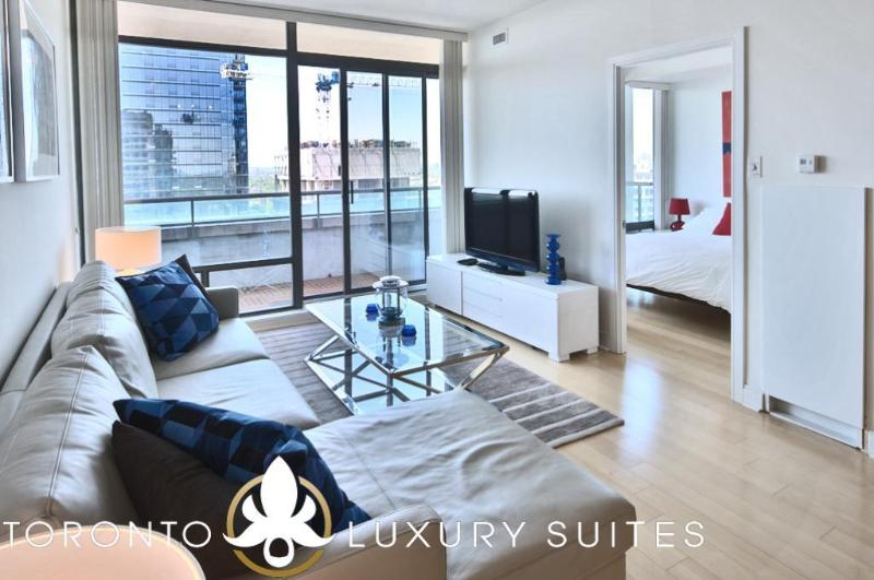 Yacht Club - Luxury Furnished Condo All Inclusive, vacation rental in Toronto