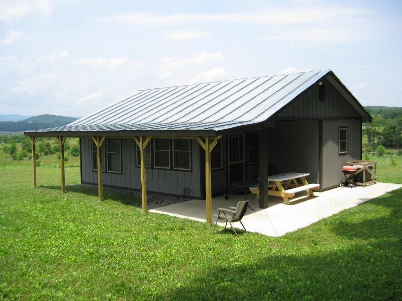 Windymile est A vallée de Shenandoah cabine à louer près du centre du cheval VA et Lexington en Virginie.
