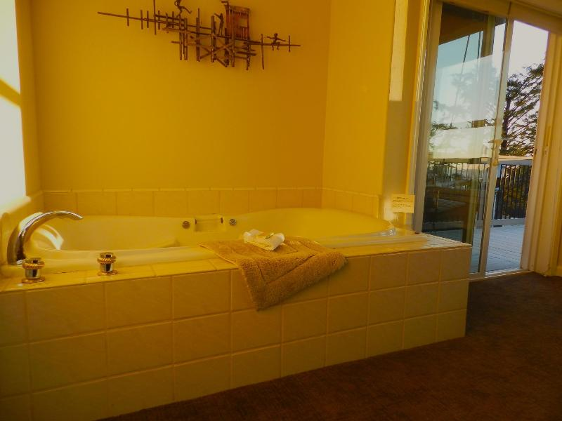 jacuzzi tub for two