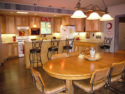 Idle Hours, Dining and Kitchen, Vacation Rental with WIFI