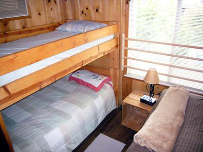 Idle Hours, Comfortable Beds, Riverfront Cabin Wine Country