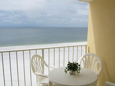 Oceanfront Value, Corner Unit! Free WiFi, VIEW!!, alquiler de vacaciones en Orange Beach