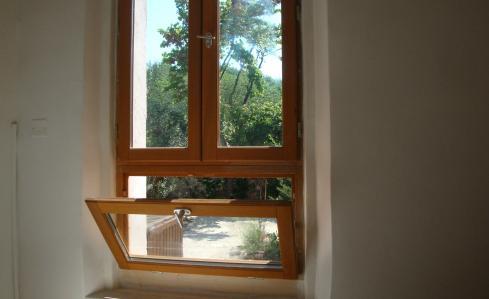vidros duplos e vista para o jardim
