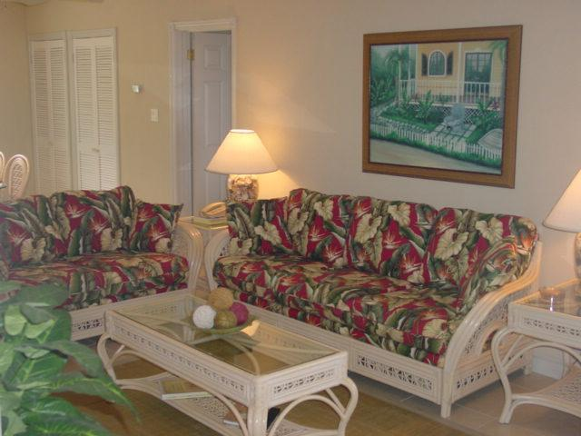 Livingroom in Tropical Theme