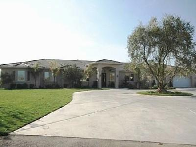 4200 Sqft. one story home with lots of space!