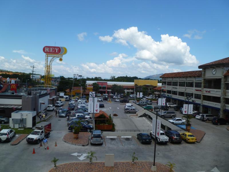 Autre petit centre commercial, supermarché El Rey