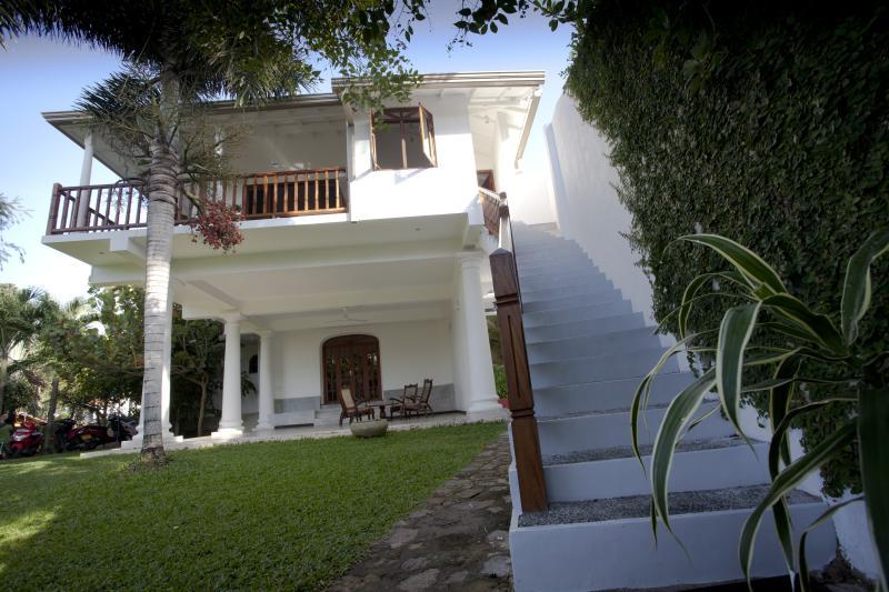 Whitemanor, one bedroomed apartment, aluguéis de temporada em Unawatuna