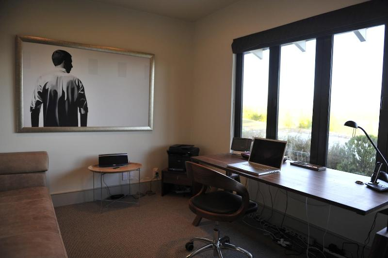 office with chaiselonge, sleeps one add.