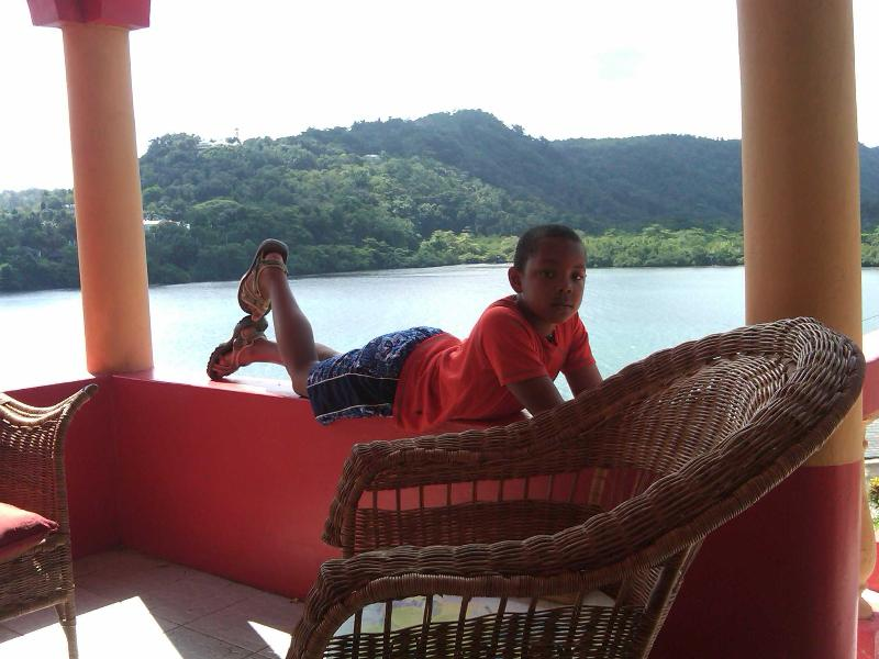 Ridge Bay Chateau 3 cottages:Green Pastures, Still Waters, Lily of The Valley, holiday rental in Port Antonio