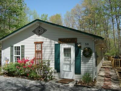 The Secluded Twin Creek Cottage is a quiet, restful retreat yet is located right in town