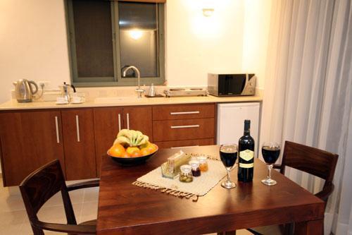 dinning table & kitchen