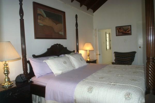 Master Bedroom - King-size bed
