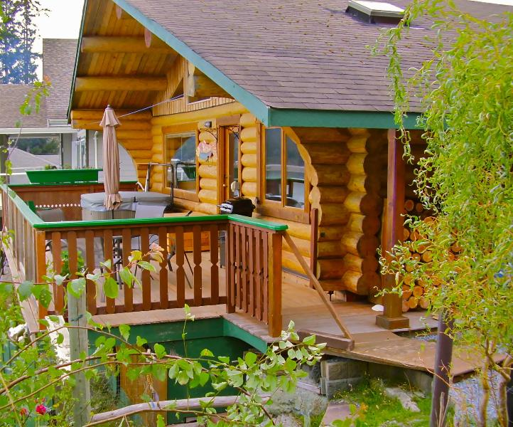 Water Front Cabin with Hot Tub, Gulf Island BC Canada, holiday rental in Texada Island