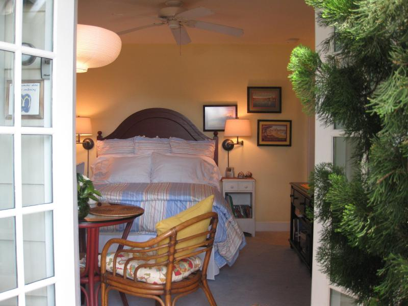 Studio Beach Cottage w/ A/C and Bikes at the Ocean with CDC Enhanced Cleaning, vacation rental in San Diego