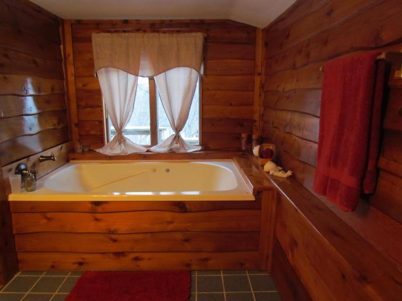 Very roomy bathroom with large double sized whirlpool tub for 2 adults