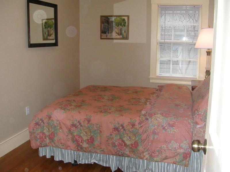 1 º piso dormitorio con cama Queen