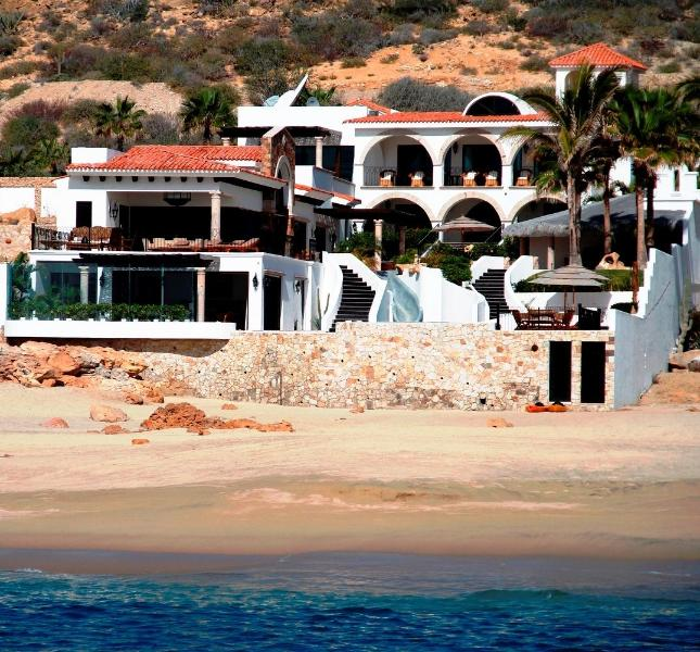 Secluded Beachfront: Gourmet Chef; Butler; Spa; Gym; Sleeps 15, holiday rental in San Jose del Cabo