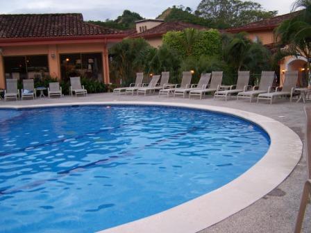 Colina famille piscine et salle de Gym a/c