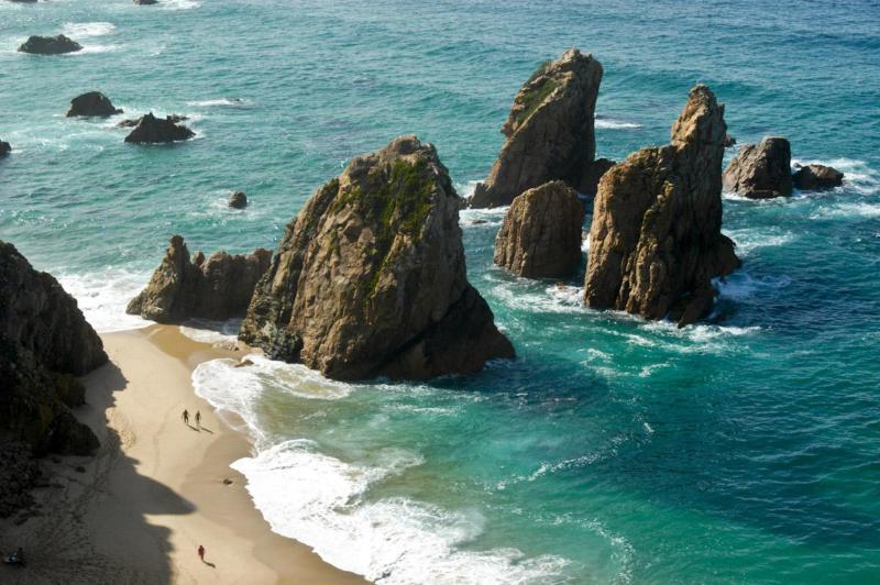 Rocky beach 'Praia da Ursa' near Cabo da Roca