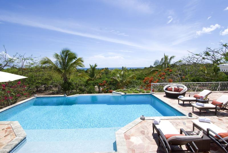 JARDIN CREOLE...  only 360 easy yards to the soft sand of Plum Baie beach!, vacation rental in Saint-Martin
