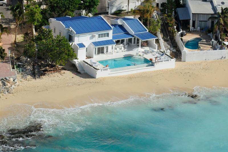 Caribbean Blue...beachfront in Pelican Key, Dutch St. Maarten