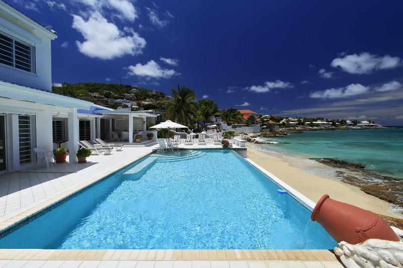 Caribbean Blue...beachfront Pelican Key, Dutch St. Maarten