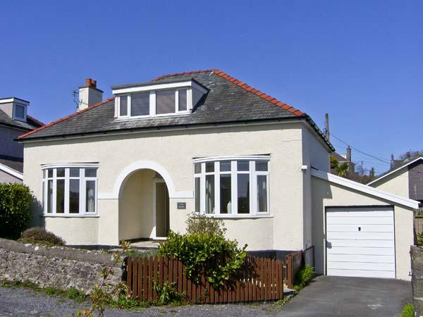 THE NOOK , pet friendly, with a garden in Benllech, Ref 5434, vacation rental in Brynteg