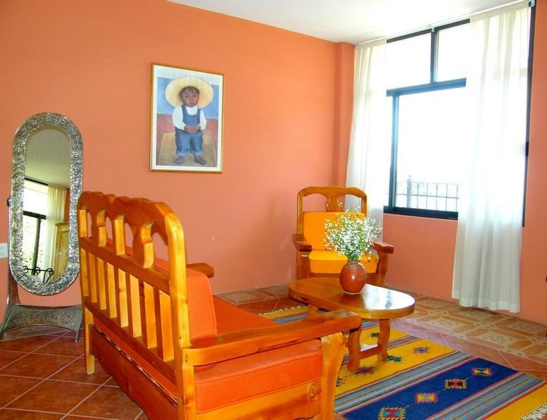 Pancho Villa room, sitting area
