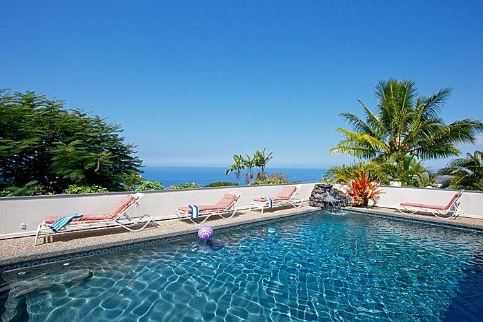 A Perfect 10 *** Ocean View Pool Waterfall Hot Tub, vacation rental in Island of Hawaii
