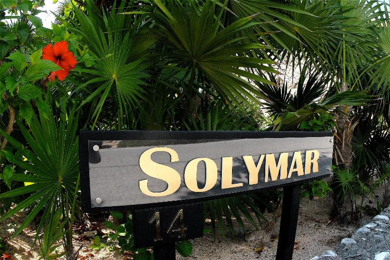 Solymar entrance