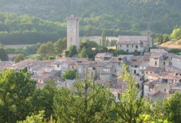 peaceful Provencal village house, vacation rental in Alpes-de-Haute-Provence