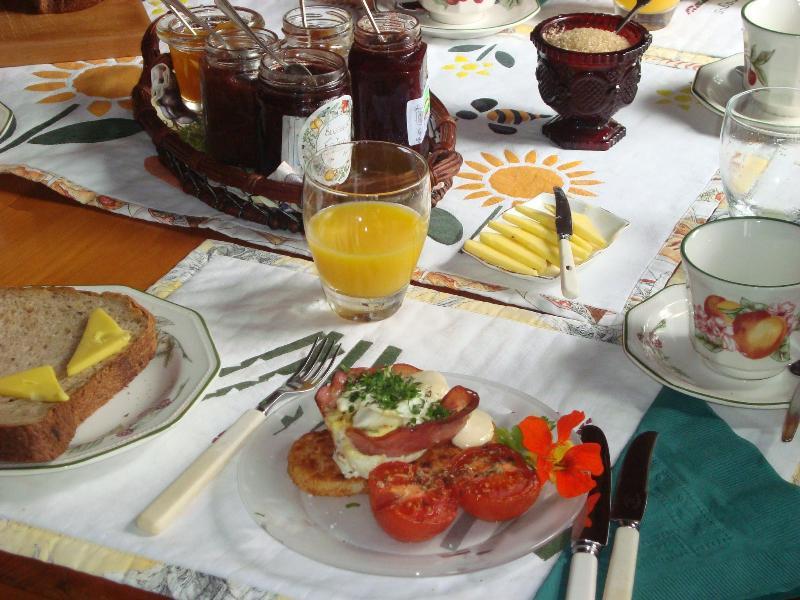 Breakfast @ OUNUWHAO: 'Ham & Egg Cups'