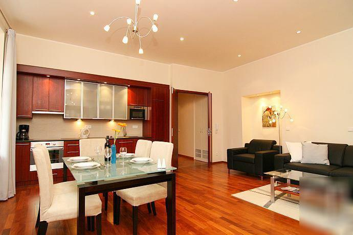 Best Location, Luxury Apartment at Old Town Square, holiday rental in Prague