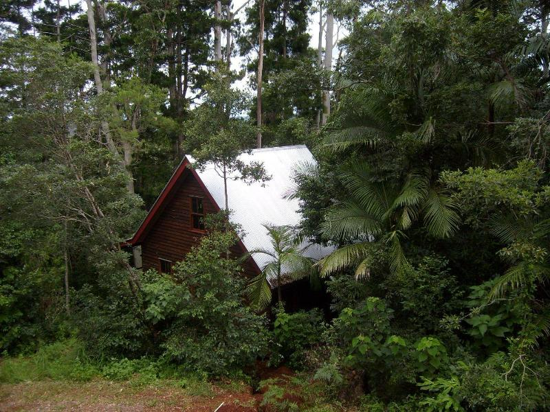 Mount Glorious Romantic Rainforest Cottage, alquiler vacacional en Mount Glorious