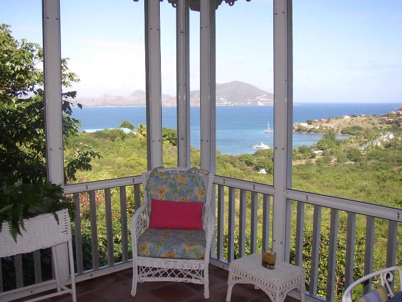 Ferienhaus Blick aus der Veranda gezeigt-in Oualie Bay