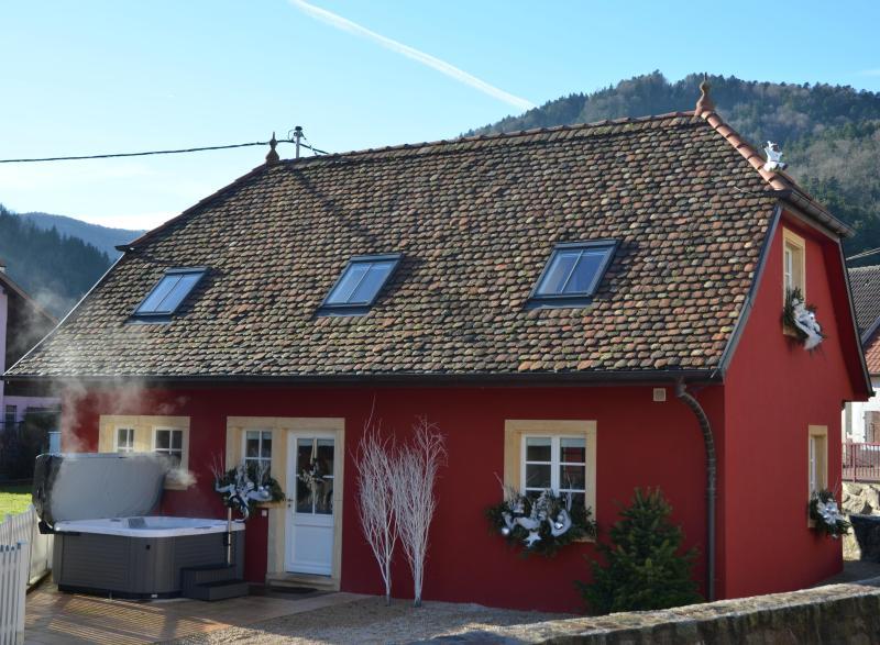 Doller Luxury Cottage, Hot Tub, Ski Resort, holiday rental in Belfort
