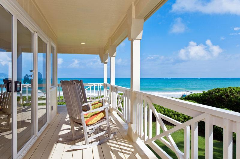 42 feet from Kailua Beach. Exceptional Family Getaway for Lifetime Memories., vacation rental in Kailua