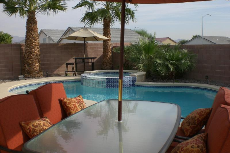 Private Oasis Home PoolSpa 48 Bedroom48 Bathroom UPDATED 48018 Fascinating 3 Bedroom Hotel Las Vegas Exterior Property