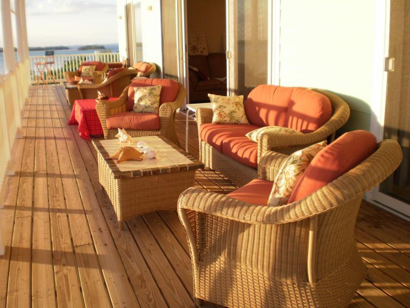 10 foot deck facing Sea of Abaco and Atlantic Ocean