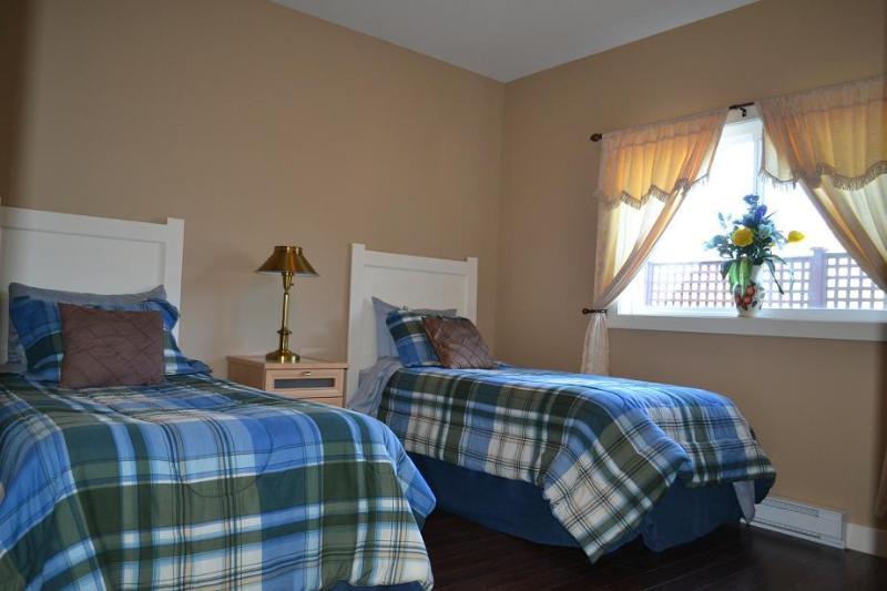 Poolside Suite Twin Room