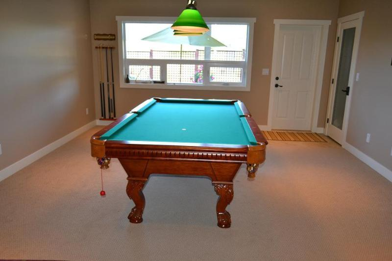 Poolside Suite Pool Table in  (for adult use only)