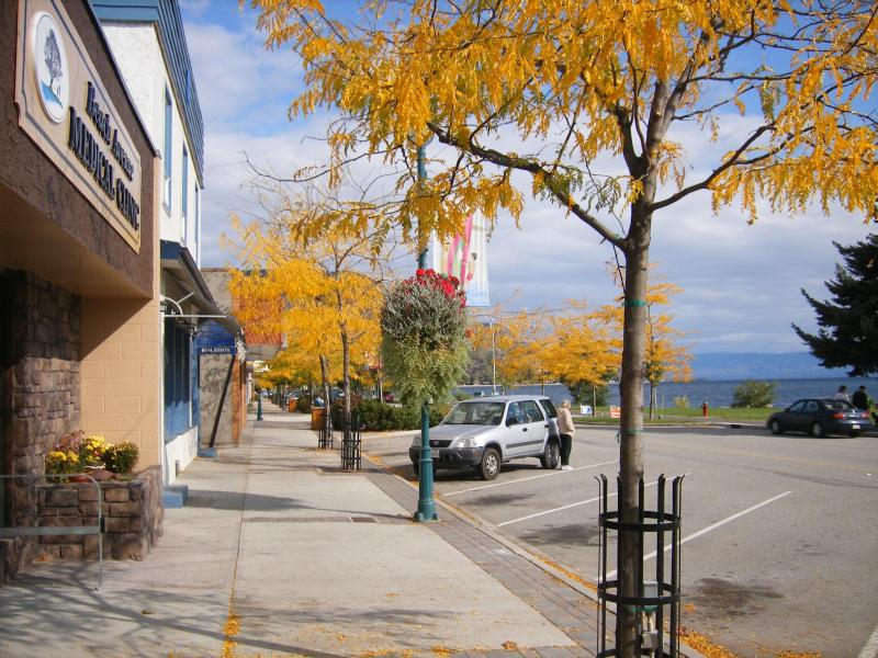 Beautiful Downtown Peachland in the fall