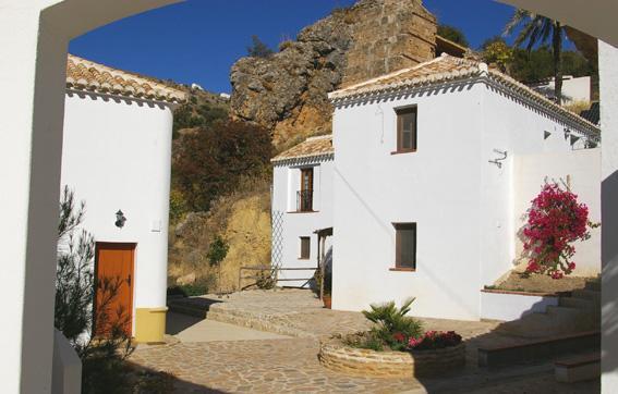 The entrance to Molino la Ratonera