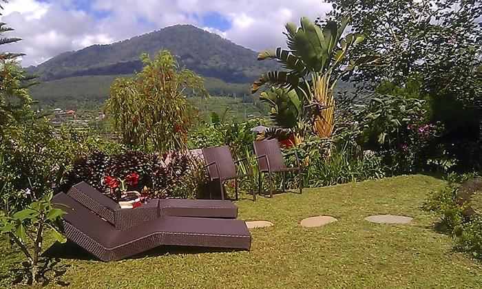 Sun loungers and breathtaking view of Bedugul valley