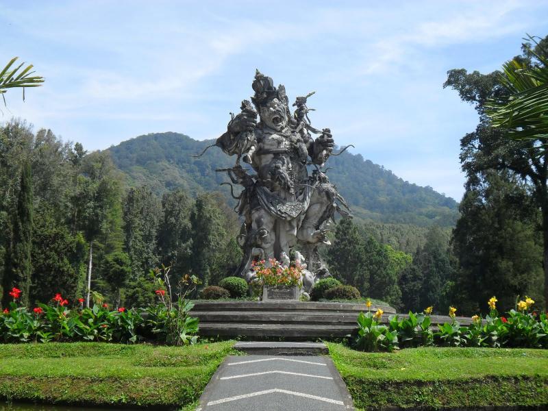Bali botanical garden (kebun raya Eka Karya) is only 4 km away